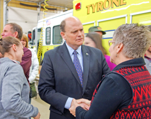 Crowd confronts Reed in Tyrone