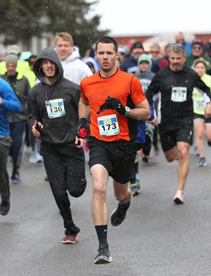 Snow faces 5K runners