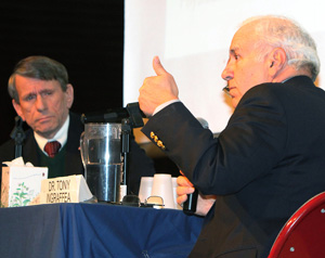 Fracking experts debate economic, environmental impact