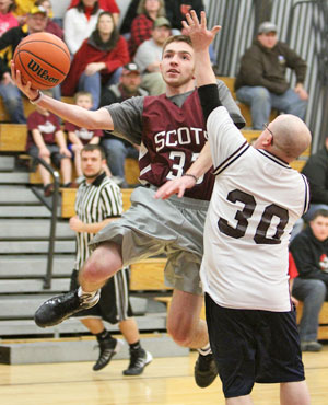 PHOTO GALLERY: DCS Faculty vs Alumni basketball game
