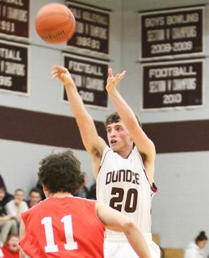 Kelly sets school record in Dundee victory
