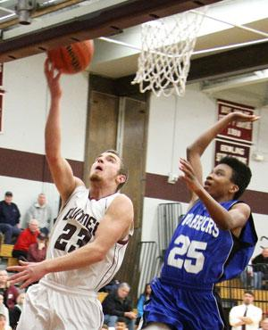 Dundee tops Romulus, 70-25