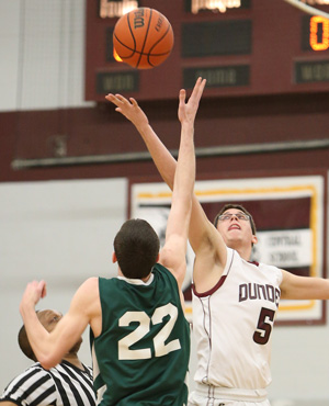 Dundee basketball loses, 56-41
