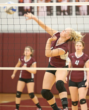 Lady Scots fall in three sets
