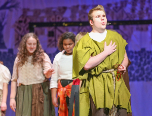 Watkins Glen performs 'The Hunchback of Notre Dame'